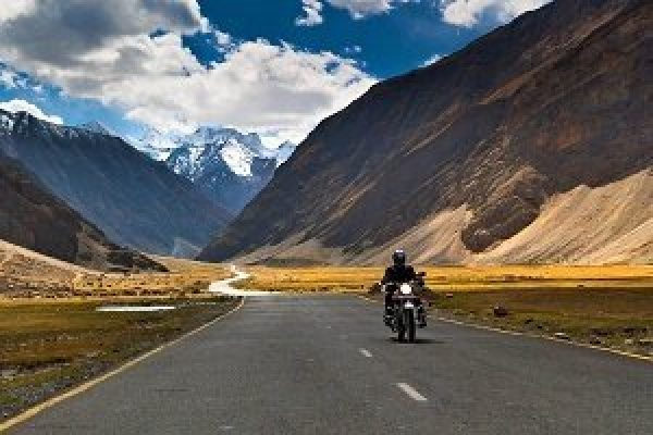 Ladakh Bike Tour 6 Nights