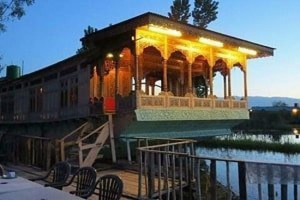 Kashmir Family Trip 5 Nights